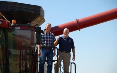 Gov. Pence visits farm of Premier Ag Customer